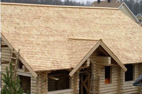 Натурални покриви с дървени керемиди