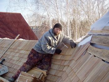 монтаж на дървени керемиди