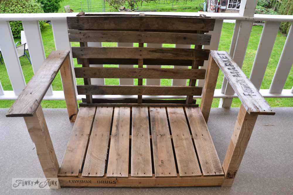 Pallet-wood-patio-chair-05861